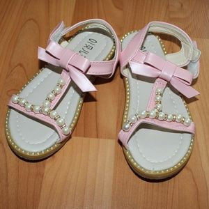Other - Fashion Girls Sz 10 Pink Sandals Pearl Detailing
